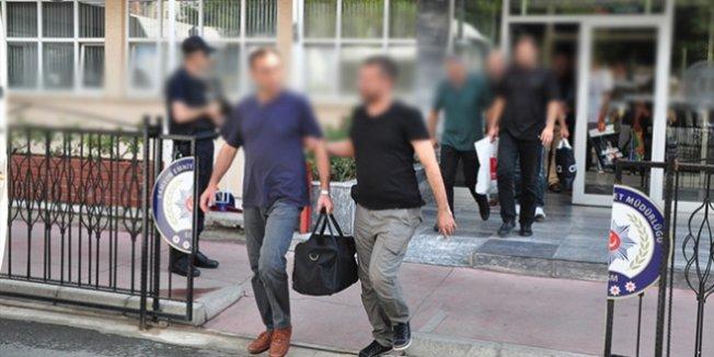 Başken'te eski 2 asker ve bir öğretmen tutuklandı