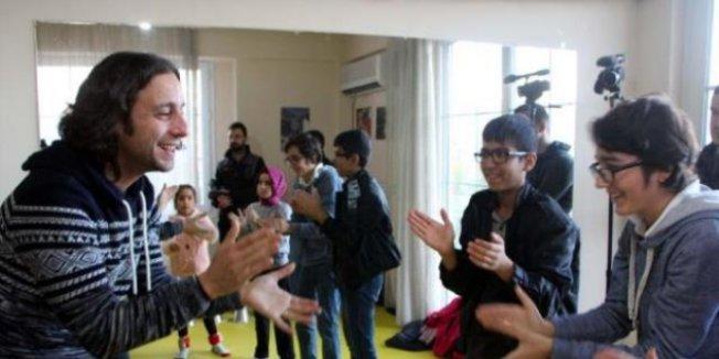 Engelli öğrencilere 'beden müziği' eğitimi