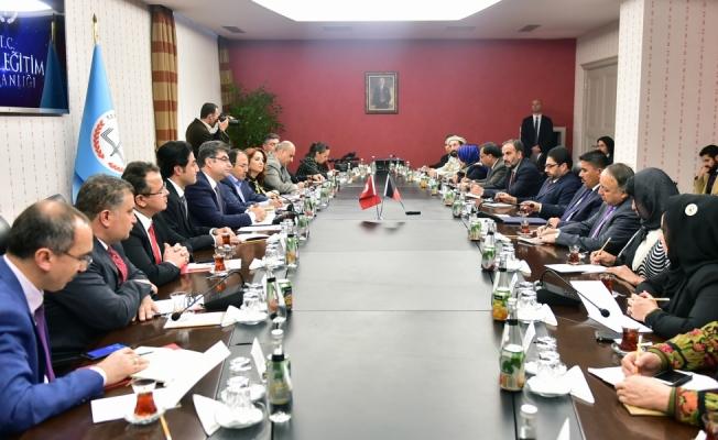 Erdem, Afganistan-Türkiye Parlamentolararası Dostluk Grubu'nu kabul etti