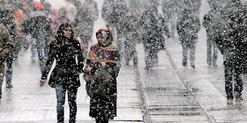 İstanbul'a Kar Ne Zaman Yağacak? Okullar Kar Tatili Olur Mu?
