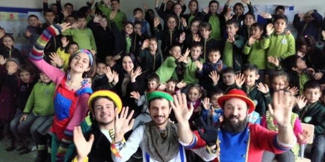 Ordu'da köy okulu öğrencileri tiyatro ile tanıştı