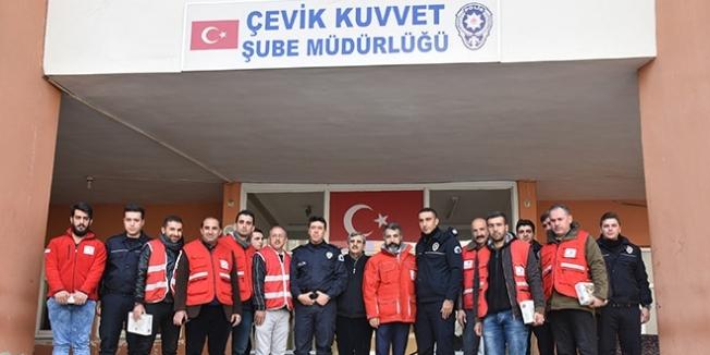 Suriyeli öğretmenlerden polis karakoluna taziye ziyareti
