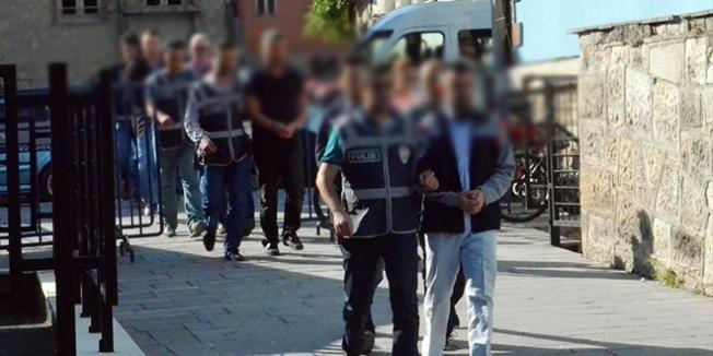 Trabzon'da öğretmenin de olduğu 7 kişi tutuklandı