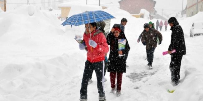 Tunceli'de eğitime kar engeli