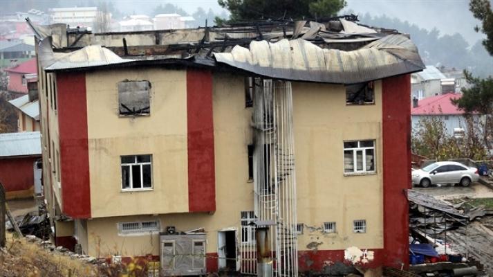 Yangında yaşamını yitiren öğrenciler anısına 'hatıra köşesi'