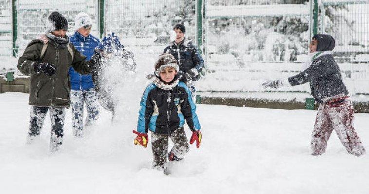 Yoğun Kar Yağışı Etkisini Sürdürüyor