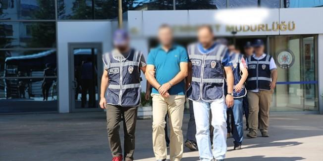 Erzurum'da Adliyeye çıkartılan 3 eski öğretmen tutuklandı