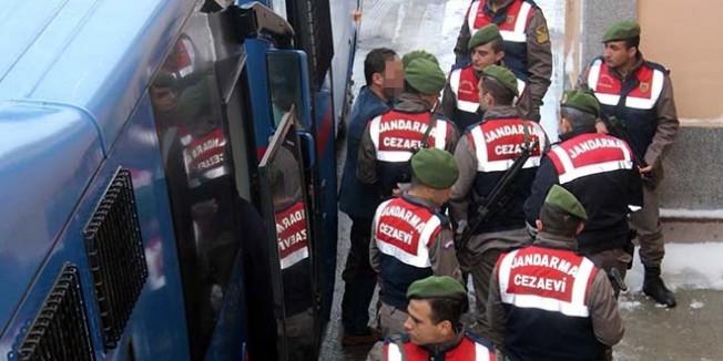 Erzurum'da öğretmenlerin de olduğu 16 kişi tutuklandı