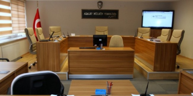 Kırşehir'de 3 öğretmenin yargılandığı dava ertelendi