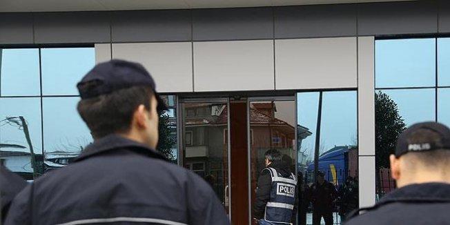 Adana'da ihraç edilen/açığa alınan memurlar dahil 26 kişi adliyede