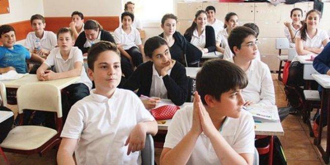 Batıda 6'ya giden öğrenci doğuda 8. sınıf düzeyinde