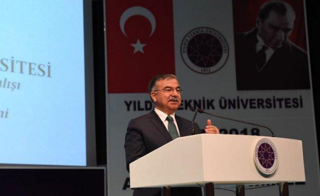 Başbakan Yıldırım ve Bakan Yılmaz, Yıldız Teknik Üniversitesinin akademik yılı açılışına katıldı
