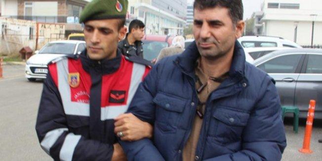 FETÖ'nün 'kasası' öğretmen, askeri yasak bölgede yakalandı