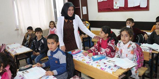 Öğretmenden öğrencileri için yardım kampanyası