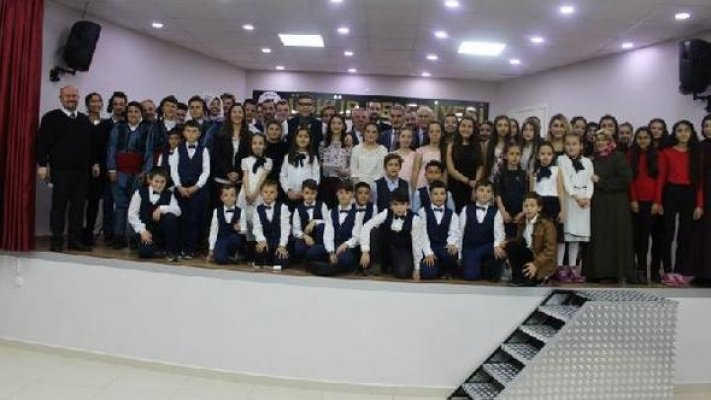 Türkü gecesinde Aybüke öğretmen unutulmadı
