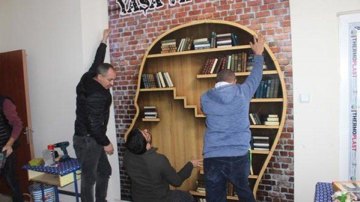 Öğretmen lojmanı kütüphane oldu