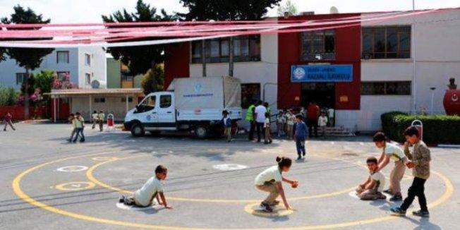 Okullar, geleneksel çocuk oyunlarıyla şenleniyor