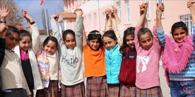 Suriyeli sığınmacılara Türkçe eğitimi verilecek