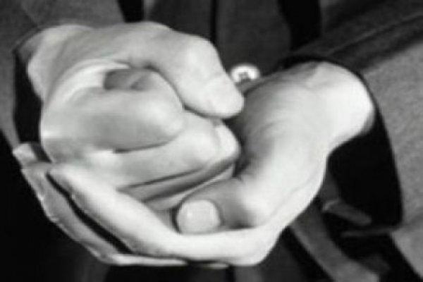 Müdürün öğrencinin parmaklarını kırdığı iddiası