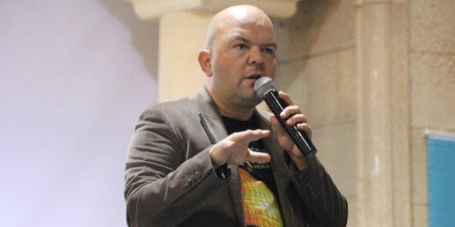 Tarihçi Talha Uğurluel FETÖ'den gözaltına alındı