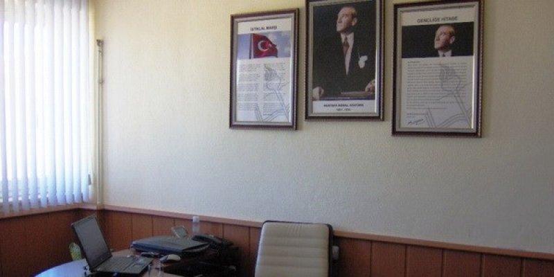 """Türkiye'nin """"Uydu Yönetici"""" Sorunu"""