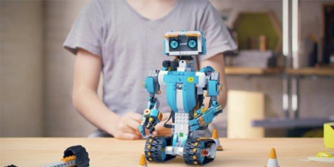 Hakkari'de 27 gönüllü öğretmen robotik kodlama öğretecek