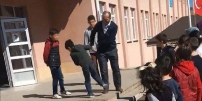 Öğrencileri döven öğretmene aylıktan kesme cezası