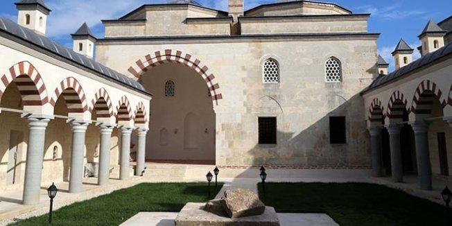 Fatih'in eğitim aldığı medrese restore edildi
