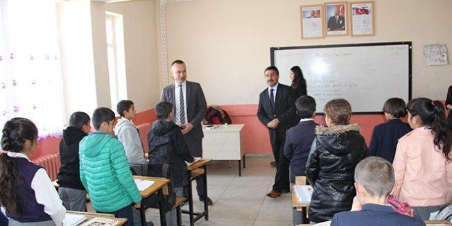 Ağrı Milli Eğitim Müdürü, öğretmenlerle bir araya geldi