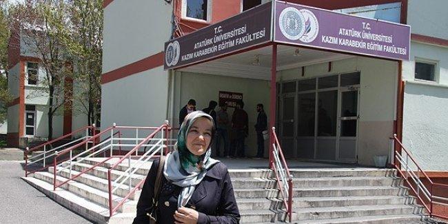 34 yıl sonra Türkçe öğretmenliği bölümünden mezun oldu