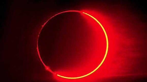4 Nisan Kanlı Ay Tutulması  Kaçta Başlayacak . Kanlı Ay tutulması Canlı İzle