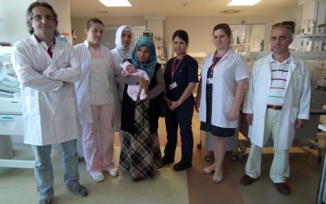 500 gramlık Yaren bebek hayata tutundu (Özel)