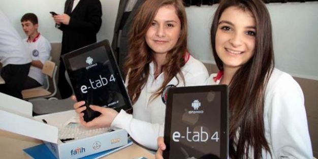 99 okulda 21 bin 562 tablet dağıtıldı