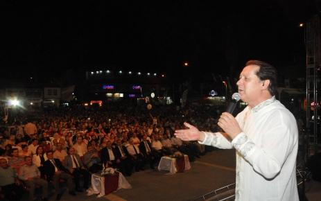 Ahmet Özhan, Osmaniye'de konser verdi