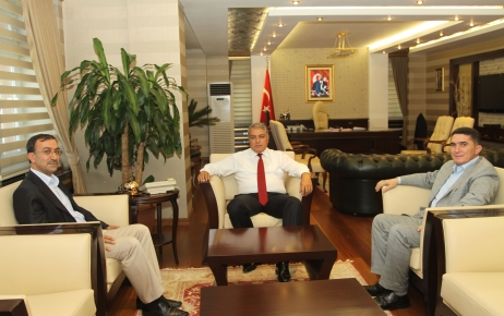 AK Parti milletvekilleri Vali Tekinarslan'ı ziyaret etti