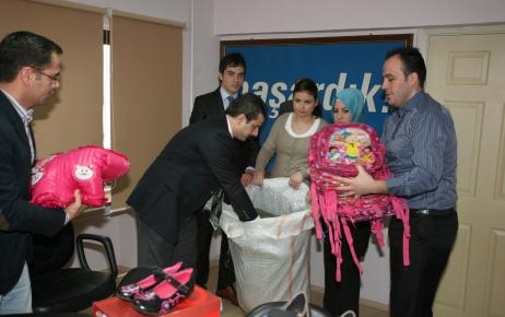 AK Parti'li gençlerden Şırnaklı öğrencilere giyecek yardımı