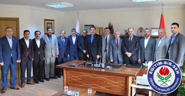 AK Parti Milletvekillerinden Eğitim-Bir-Sen'e Ziyaret
