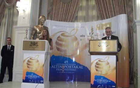 Altın Portakal jürisi, Hülya Avşar'ın gözünü korkuttu