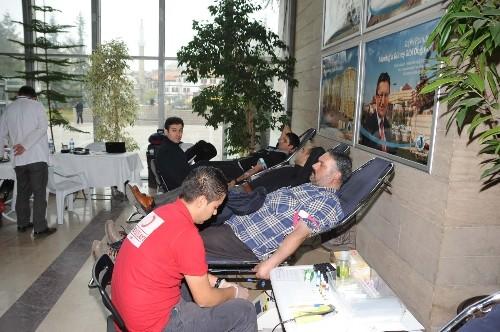 Altındağ Belediye personelinden Kızılay'a kan bağışı
