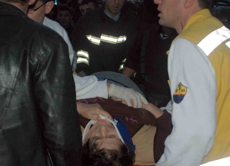 Ambulans ile otomobil çarpıştı: 5 yaralı