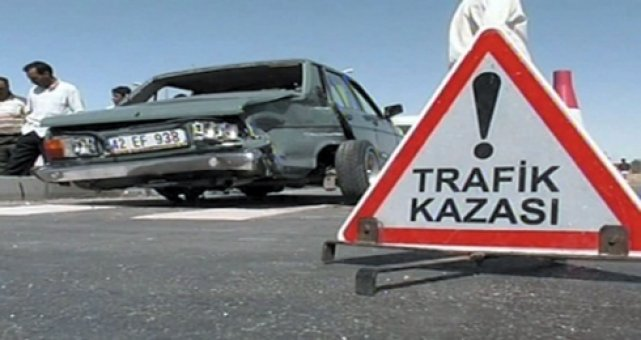 Aşırı hızlı araç kullanan öğretmen hayatını kaybetti