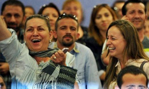 Atama Bekleyen Öğretmenlerden Sazlı Türkülü Atama İsteği - Video