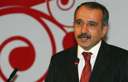 Bakan Dinçer, neden ders saatlerinin arttırıldığını açıkladı