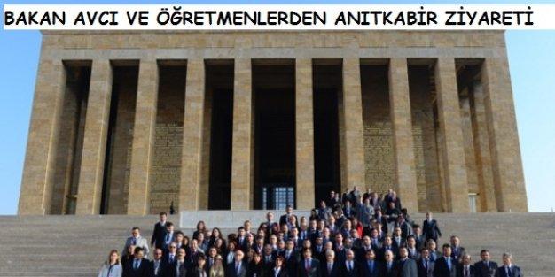 Bakan Avcı ve 81 İlden Gelen Öğretmenler Anıtkabir'i Ziyaret Etti