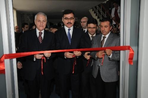 Balıkesir'de yeni çocuk yoğun bakım ünitesi hizmete açıldı