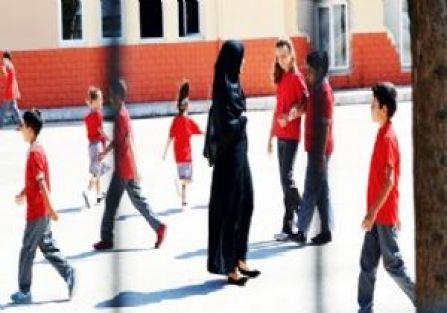 Başörtülü Elif Öğretmene Saldırılar ve Baskılar Devam Ediyor