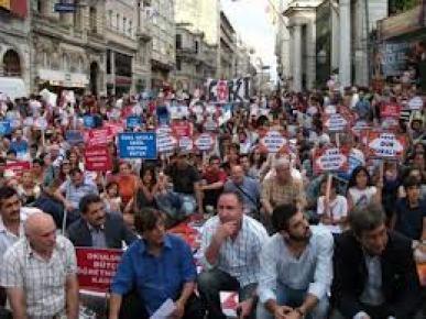 Beyoğlu'nda 4+4+4 protestosu