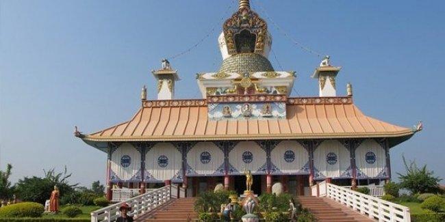 Rektör cami, İTÜ#039;lü öğrenciler #039;Budist tapınağı#039; istiyor