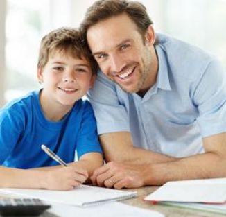 Çocuğun Ödevini Yapan Aile Ona Kötülük Ediyor