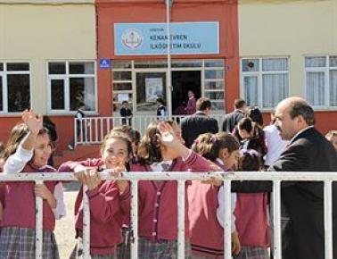 Ders saatleri ve okul süresi artıyor!...